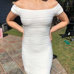 Dresses & Skirts - White club dress